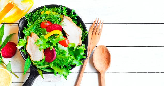 Conheça os diversos tipos de saladas que existem e